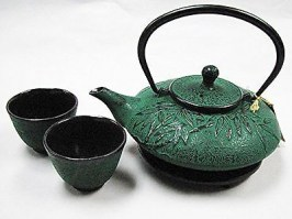 Japanese-Cast-Iron-Bamboo-Green-Infuser-Teapot-Trivet